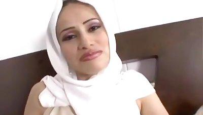 Arab Ride Hooker MILF porn flick