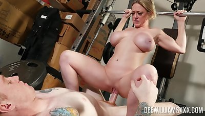 Second-rate MILF bends ass for making love down at the gym