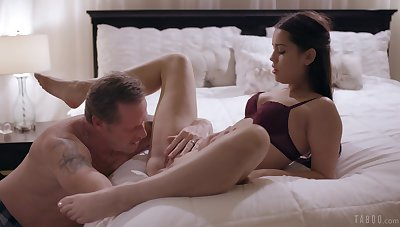 Erotic unembellished porn in bed with the slutty step daughter