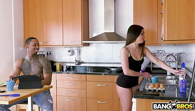 Washing dishes leads to a black cock in Martina Smeraldi's phat ass