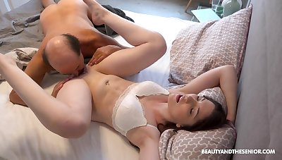 Interesting girlfriend Mia Evans knows how to tickle her man